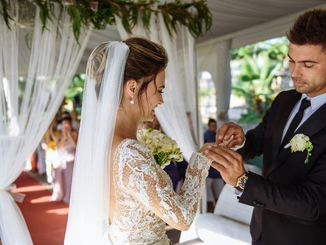 La boda de Alex y Hanna en Sant Vicenç De Montalt, Barcelona 61