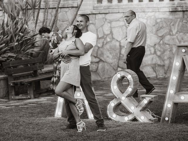 La boda de Alex y Hanna en Sant Vicenç De Montalt, Barcelona 81