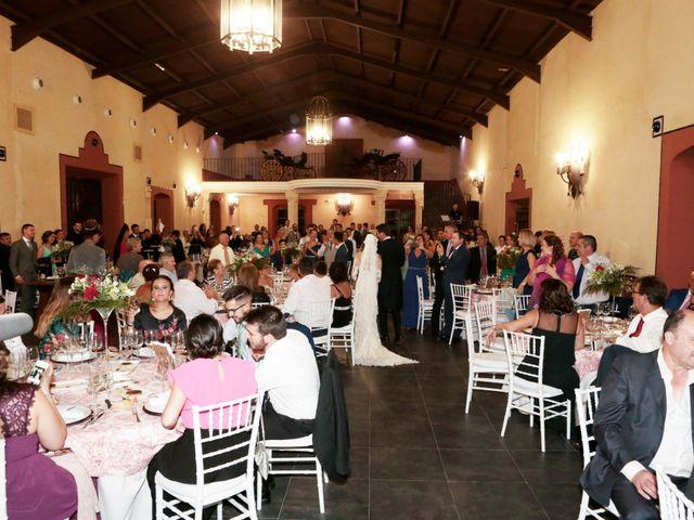La boda de Ricardo y Carmen en Dos Hermanas, Sevilla 30