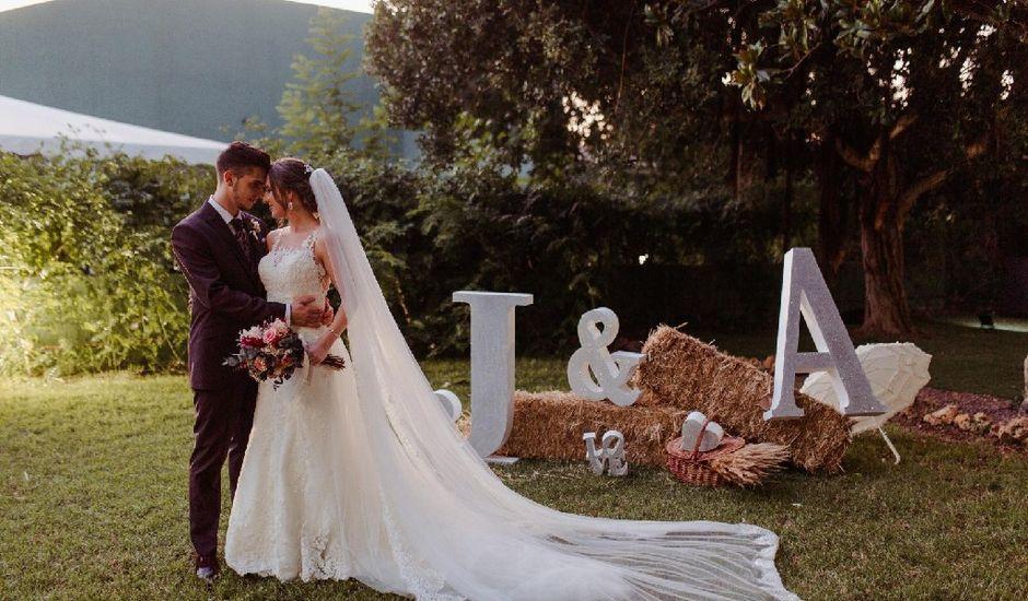 La boda de Javi y Alba en Castelló/castellón De La Plana, Castellón
