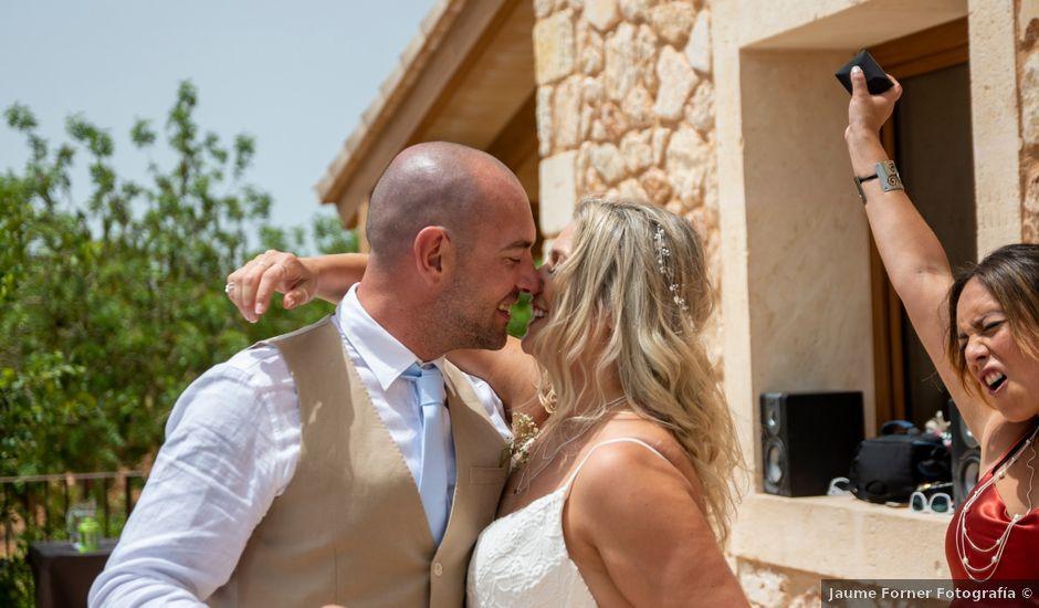 La boda de Andrew y Irene en Montuïri, Islas Baleares