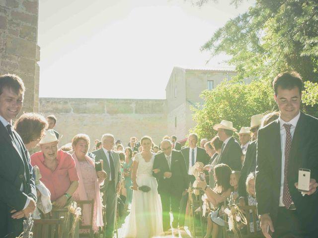 La boda de Carlos y Elena en Santa Gadea Del Cid, Burgos 13