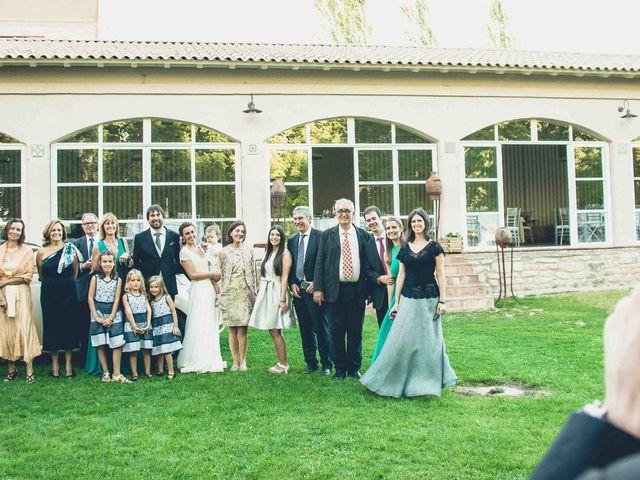 La boda de Carlos y Elena en Santa Gadea Del Cid, Burgos 32