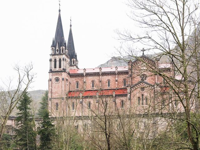 La boda de Enrique y Ana en Cangas De Onis, Asturias 27