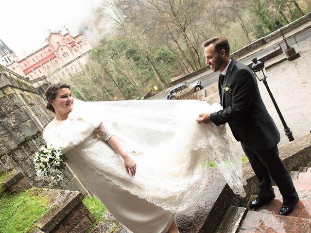 La boda de Enrique y Ana en Cangas De Onis, Asturias 28