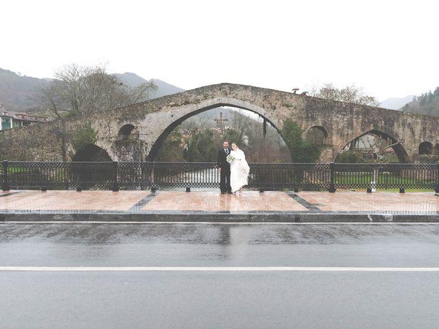 La boda de Enrique y Ana en Cangas De Onis, Asturias 30