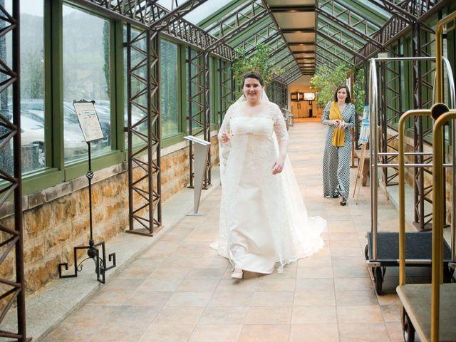La boda de Enrique y Ana en Cangas De Onis, Asturias 35