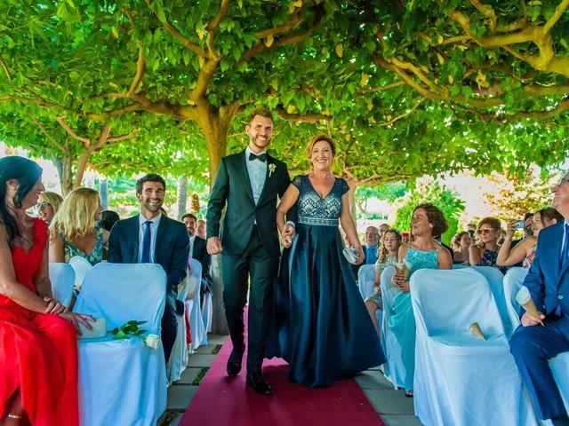 La boda de Iván y Raquel en Sant Vicenç De Montalt, Barcelona 24