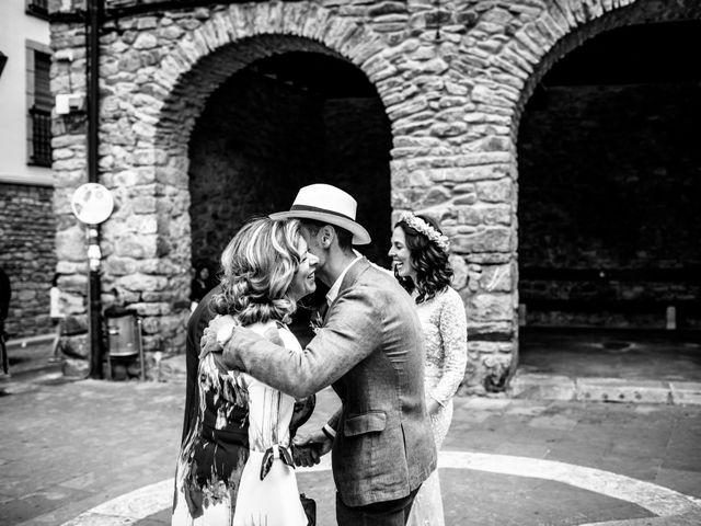 La boda de Alex y Irati en Orozco, Vizcaya 23