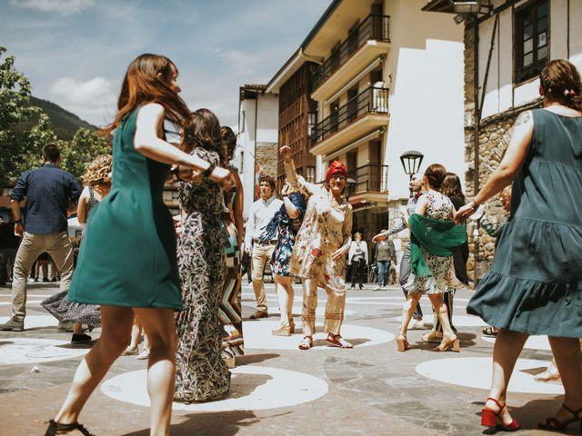 La boda de Alex y Irati en Orozco, Vizcaya 39