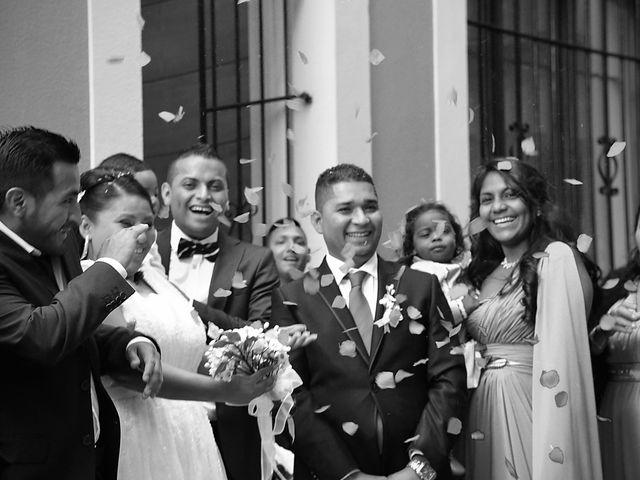 La boda de Javier y Paulina en Oviedo, Asturias 9