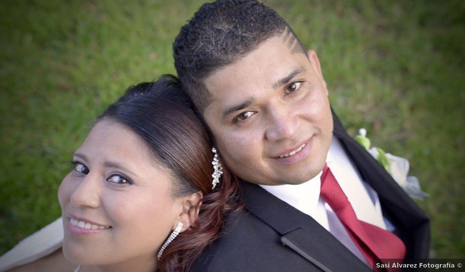 La boda de Javier y Paulina en Oviedo, Asturias