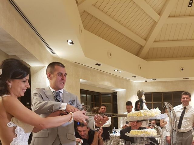 La boda de Tristán  y Roxana en Galapagar, Madrid 16