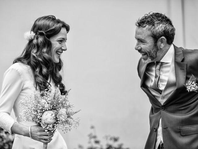 La boda de Tomás y Laura en Gerena, Sevilla 16