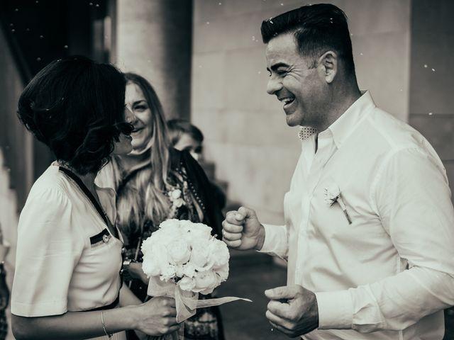 La boda de Javier y Vivian en Valencia, Valencia 17