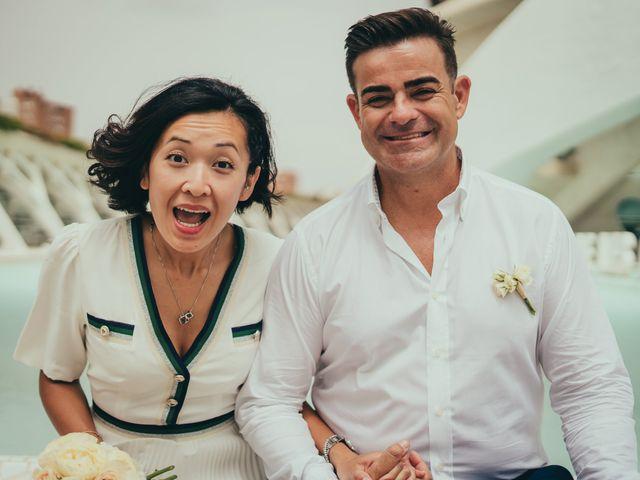 La boda de Javier y Vivian en Valencia, Valencia 25