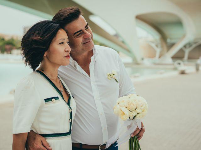 La boda de Javier y Vivian en Valencia, Valencia 27