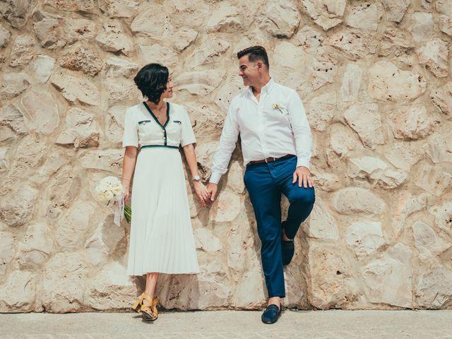 La boda de Javier y Vivian en Valencia, Valencia 33