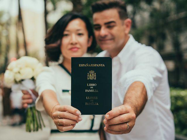 La boda de Javier y Vivian en Valencia, Valencia 40