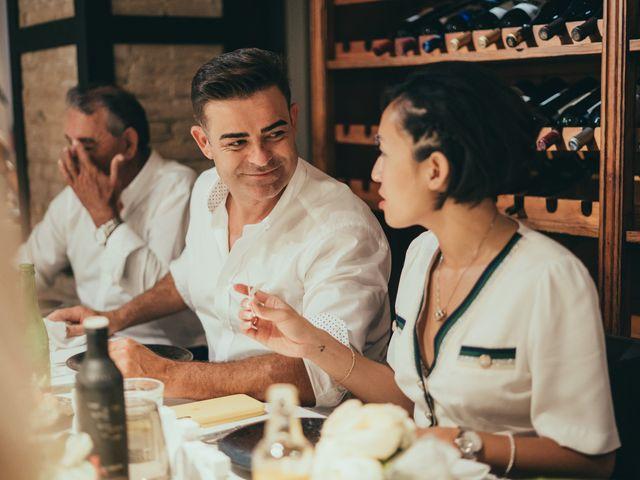 La boda de Javier y Vivian en Valencia, Valencia 49
