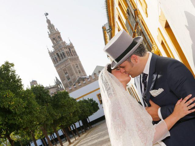 La boda de Juan José y Carmen María en Sevilla, Sevilla 24