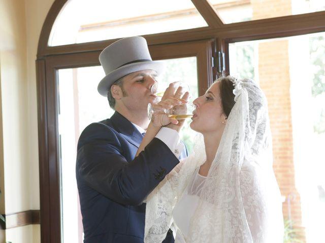 La boda de Juan José y Carmen María en Sevilla, Sevilla 26