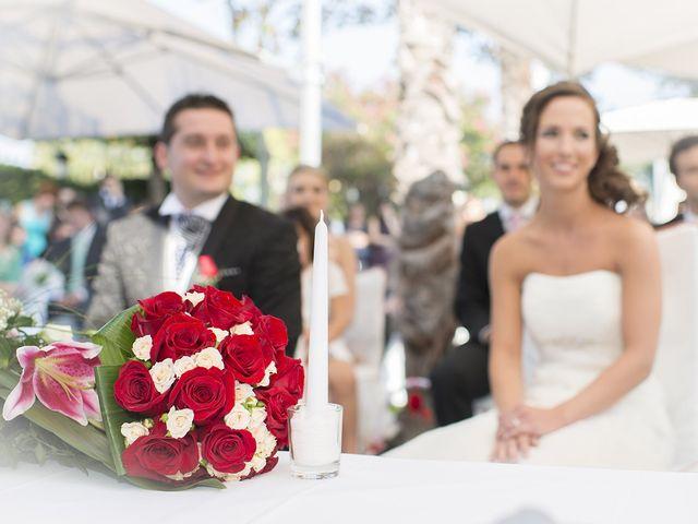 La boda de Santiago y Ester en Albelda De Iregua, La Rioja 20