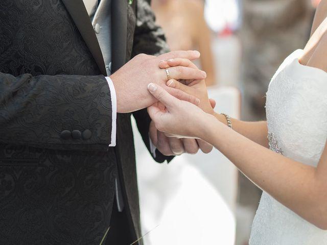 La boda de Santiago y Ester en Albelda De Iregua, La Rioja 22