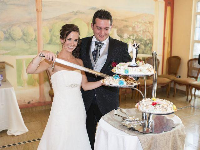La boda de Santiago y Ester en Albelda De Iregua, La Rioja 25