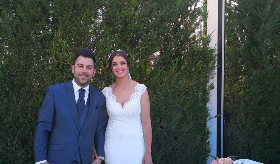 La boda de Miguel Ángel  y María Jesús  en Villafranca De Los Barros, Badajoz