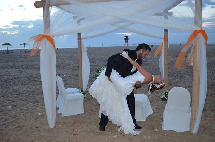 La boda de Tania y Ángel en Zahara De Los Atunes, Cádiz