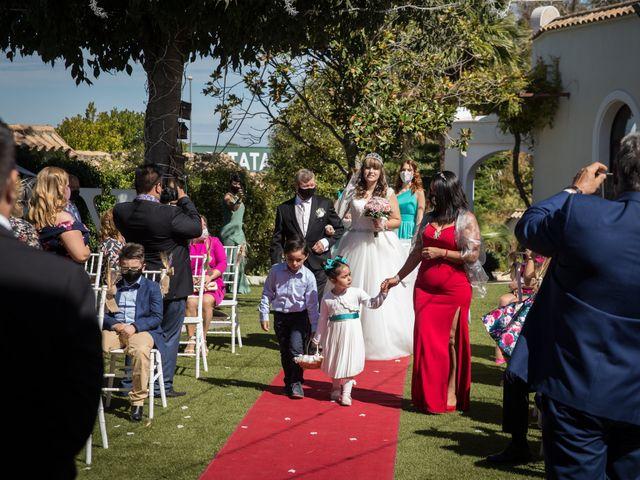 La boda de Yolanda y Omar en Lora De Estepa, Sevilla 13