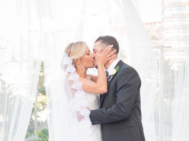 La boda de Akoran y Yessica  en Santa Cruz De Tenerife, Santa Cruz de Tenerife 14