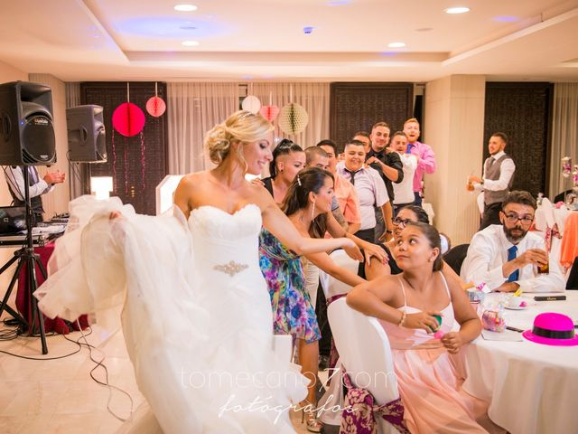 La boda de Akoran y Yessica  en Santa Cruz De Tenerife, Santa Cruz de Tenerife 19