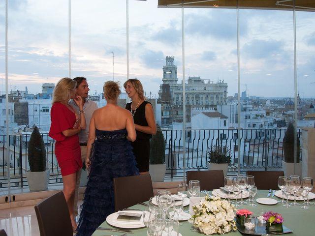 La boda de Eugenio y Christine en Valencia, Valencia 28