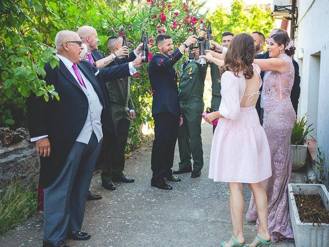 La boda de Javier y Úrsula en El Vellon, Madrid 17