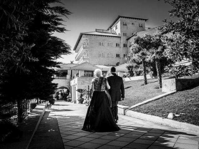 La boda de Juan y Silvia en Baiona, Pontevedra 29