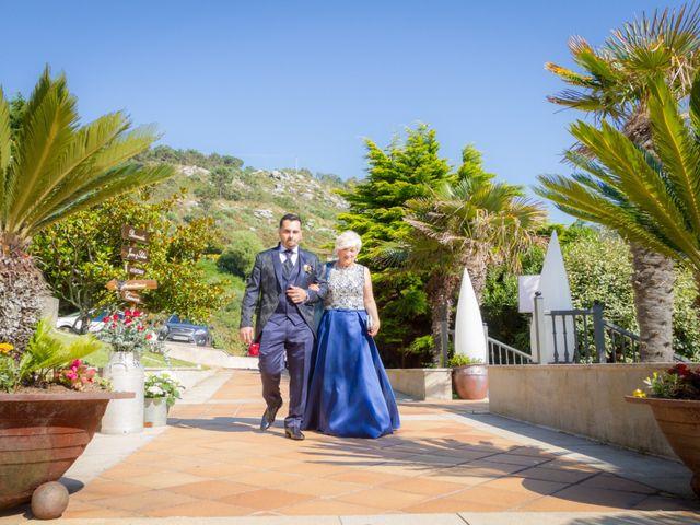 La boda de Juan y Silvia en Baiona, Pontevedra 30