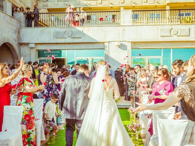 La boda de Juan y Silvia en Baiona, Pontevedra 43