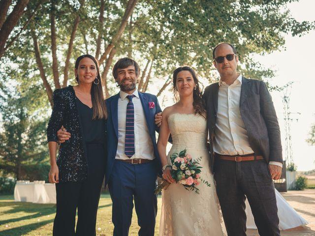 La boda de Miguel y Mariona en Aranda De Duero, Burgos 33