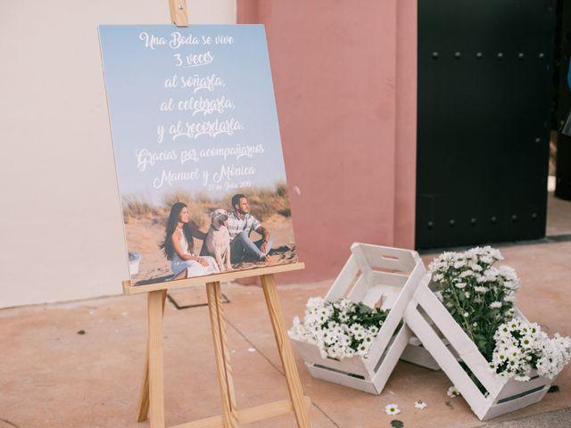 La boda de Monica y Manuel en Sanlucar De Barrameda, Cádiz 17