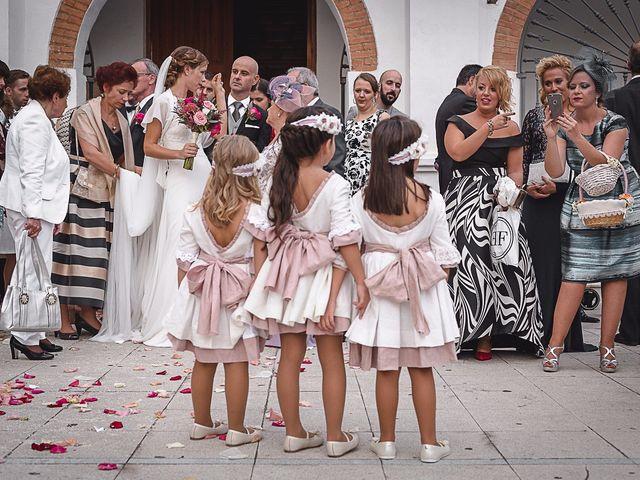 La boda de Jose y Aga en Benajarafe, Málaga 20