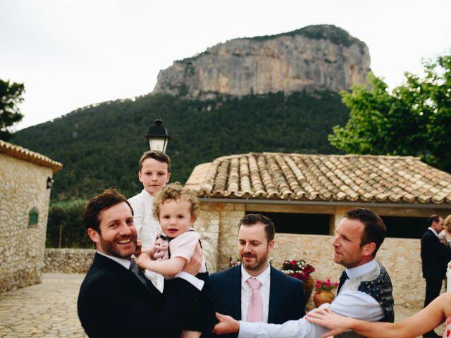 La boda de Niall y Agueda en Alaro, Islas Baleares 52
