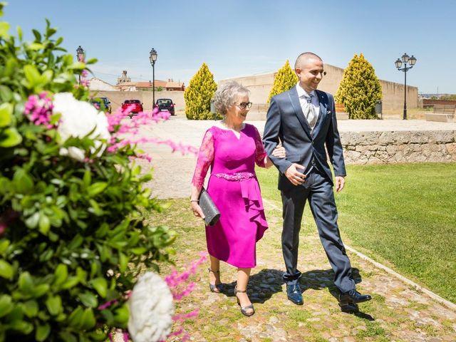 La boda de Santi y Laura en Baños De Cerrato, Palencia 21