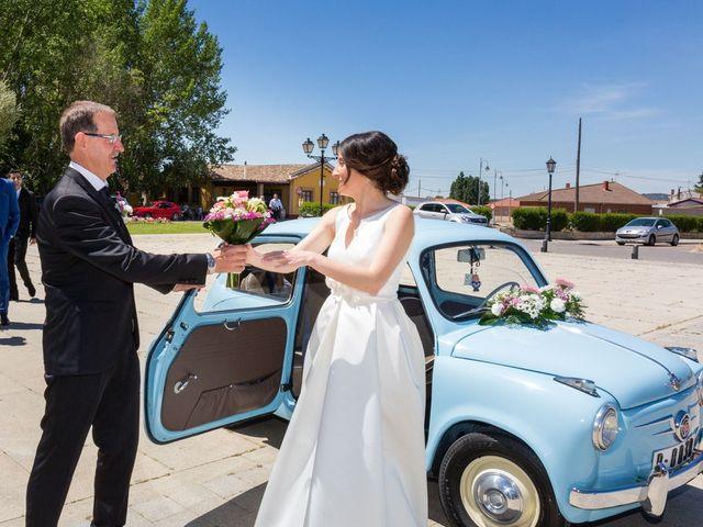 La boda de Santi y Laura en Baños De Cerrato, Palencia 24
