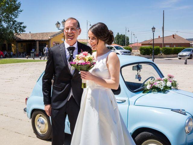 La boda de Santi y Laura en Baños De Cerrato, Palencia 25