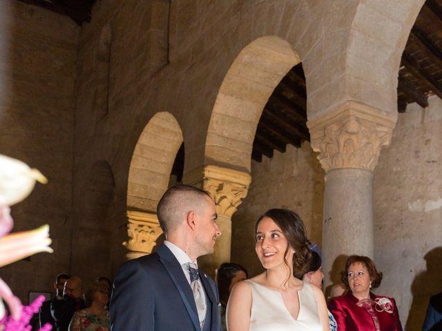 La boda de Santi y Laura en Baños De Cerrato, Palencia 30