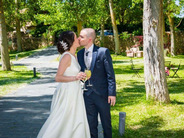 La boda de Santi y Laura en Baños De Cerrato, Palencia 53