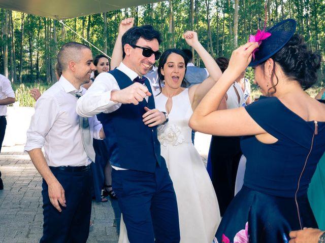 La boda de Santi y Laura en Baños De Cerrato, Palencia 75