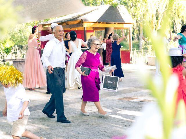 La boda de Santi y Laura en Baños De Cerrato, Palencia 81